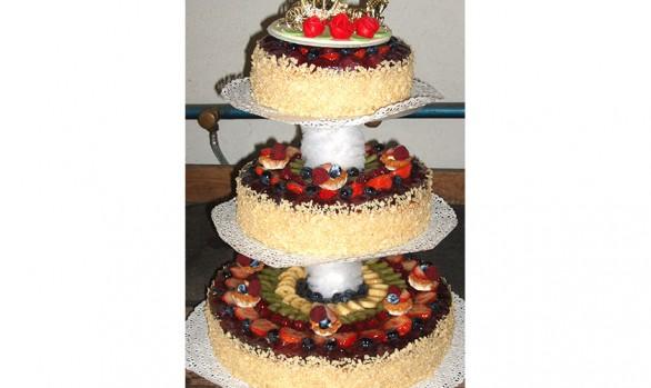 3stöckige Hochzeitstorte Bäckerei Burgauner