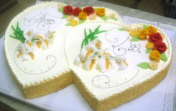 Herzen-Hochzeitstorte Bäckerei Burgauner